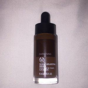 The Body Shop shade adjusting drops - darkening